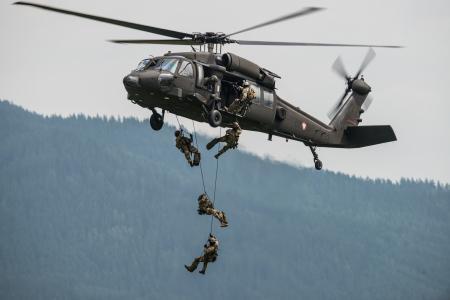 Фотографии Sikorsky S-70, Black Hawk, «Блэк Хок», многоцелевой