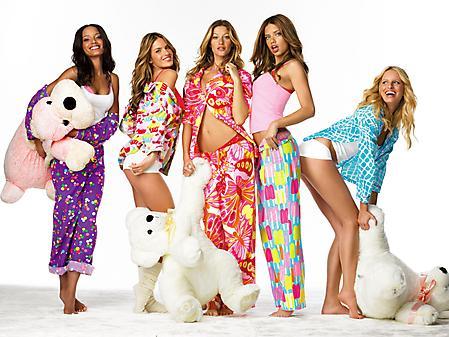 Обои группа девушек, Adriana Lima, Gisele Bundchen, Alessandra Ambrosio