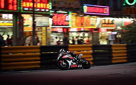 Картинки мотоцикл, высокая скорость, размытый фон