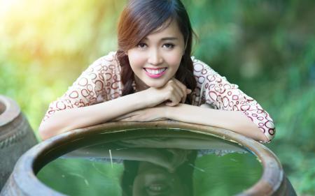 Заставки девушка, азиатка, взгляд, улыбка