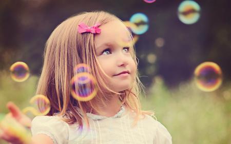 Фото девочка, пузыри, настроение
