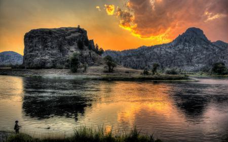 Фото река, горы, закат, рыбак