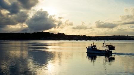 Обои лодка, облака, вечер