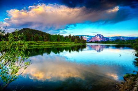 Заставки гора, река, небо