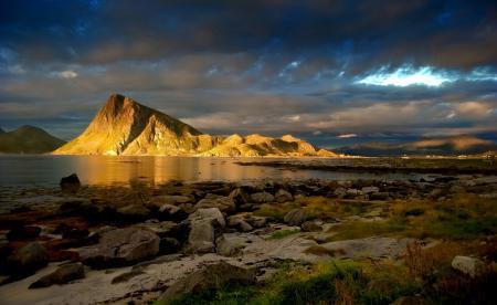 Фотографии steinliland, горы, золото, море