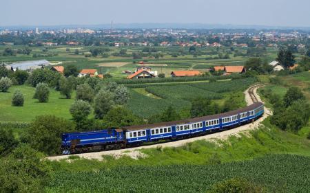 Картинки поезд, синий, дома, крыши