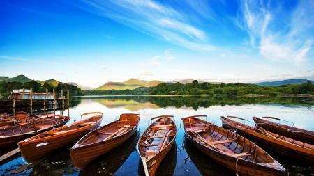 Обои лодки, причал, озеро, вода