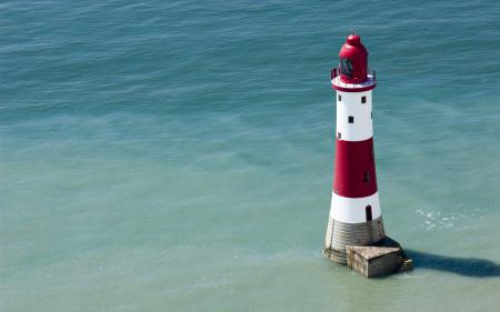 Фото маяк, море, океан, полосатый