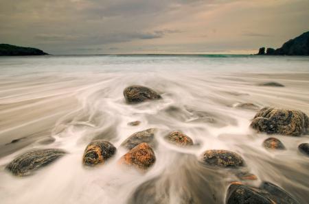 Заставки море, небо, камни, потоки