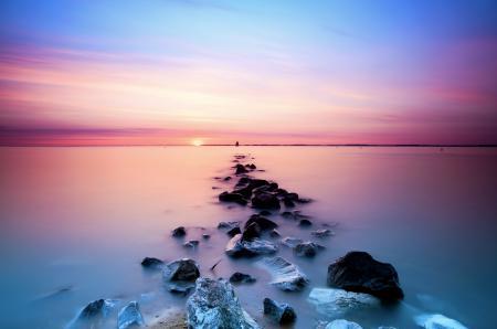 Фото море, камни, дорожка, закат