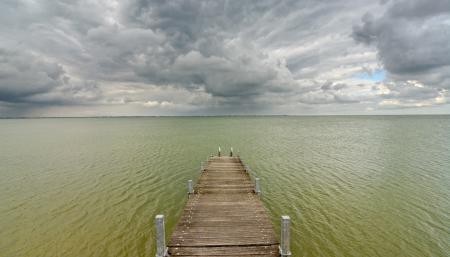 Фотографии Море, мост, небо, тучи