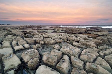 Фото море, камни, закат, пейзаж
