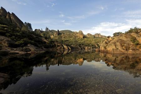 Фотографии озеро, камни, природа, пейзаж