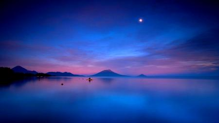Обои Озеро, закат, луна, горы