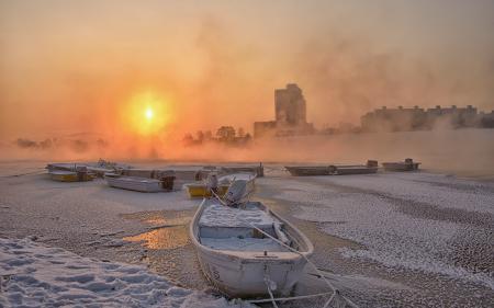 Картинки река, лодки, закат, зима