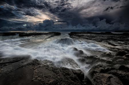 Заставки море, берег, камни, потоки