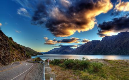 Картинки дорога, облака, горы, вода