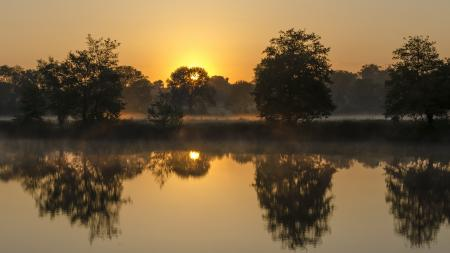 Фото река, закат, туман, пейзаж