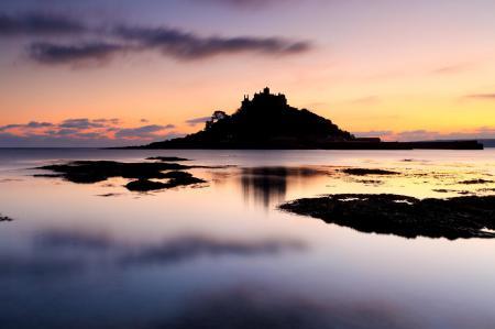 Обои замок, море, закат, чёрный