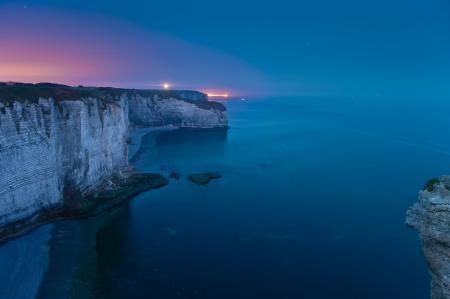Картинки море, скалы, огни, вечер