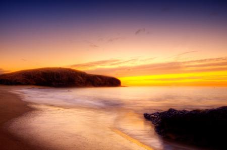Обои море, берег, гора, небо