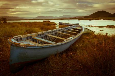 Картинки лодки, река, берега, горы