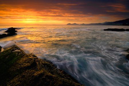Картинки море, закат, небо, камни