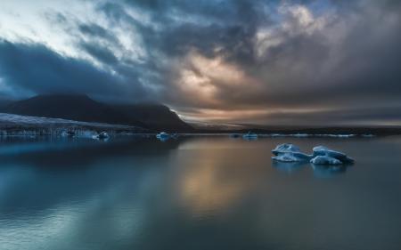 Картинки море, льдины, тучи, побережье