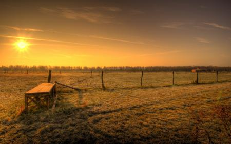 Фото закат, поле, забор, пейзаж