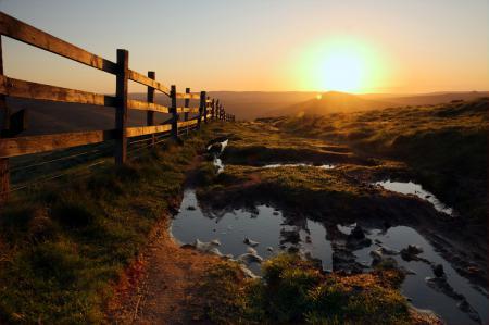 Обои закат, дорога, забор, пейзаж