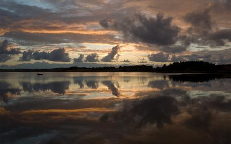 Фото озеро, закат, вечер, лодка