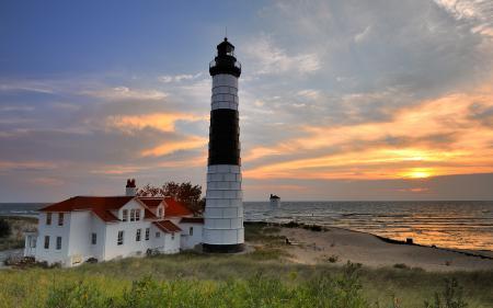 Обои маяк, море, закат