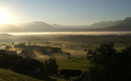 Фото долина, солнечный свет, лучи, туман