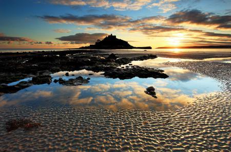 Заставки море, берег, небо, замок