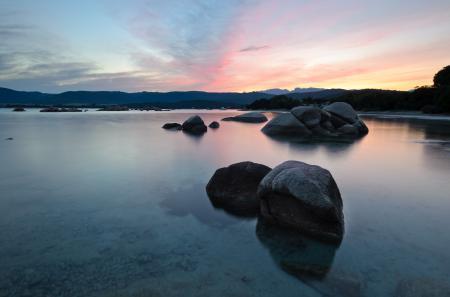 Обои озеро, небо, камни