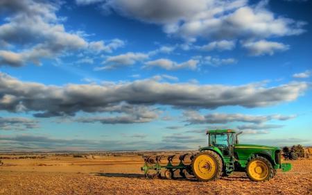 Обои трактор, поле, неюл
