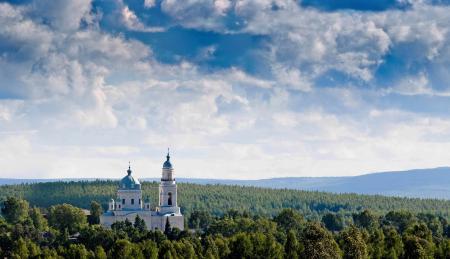 Фото пейзаж, лес, небо, церковь