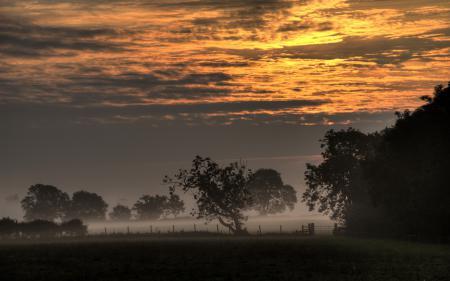 Фото закат, небо, поле, туман