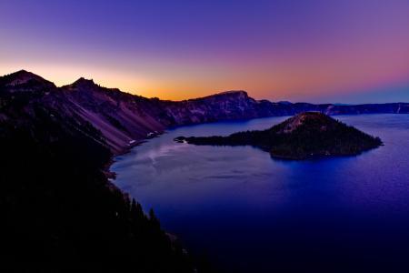 Заставки горы, кратор, озеро, закат