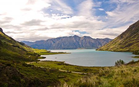 Картинки озеро, горы, облака, дорога