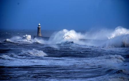 Заставки море, маяк, волны, пейзаж