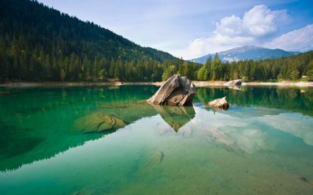 Фото Озеро, водоем, скала, камень