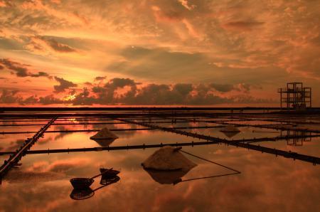 Фото море, небо, золото