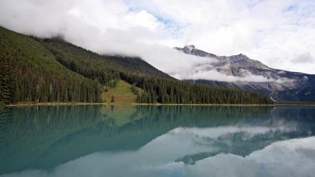 Картинки река, лес, горы, туман