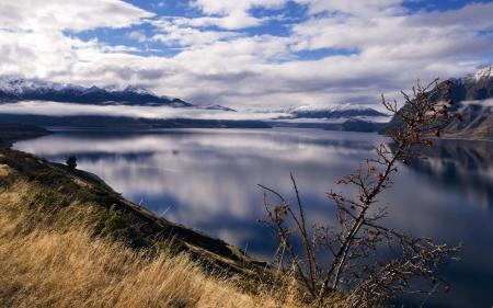 Картинки озеро, вода, гладь, склон