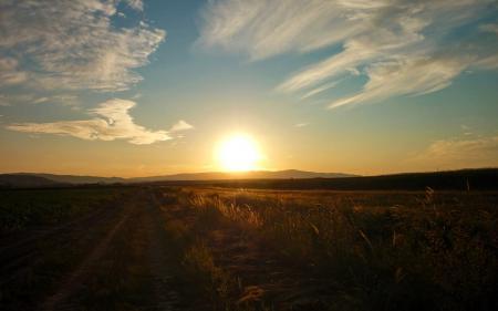 Заставки пейзажи, закаты солнца, солнце, небо