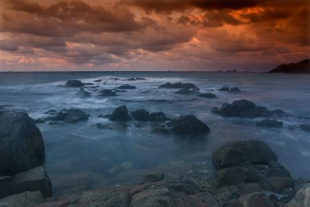 Обои море, камни, закат