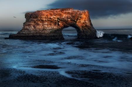 Фотографии скала, арка, море, чайки