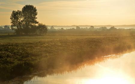 Обои закат, река, туман, свет