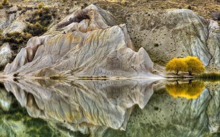 Обои гора, озеро, деревья, отражение